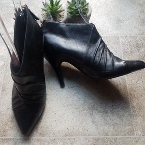 ALDO  black ankle boots with gold zippers at rear